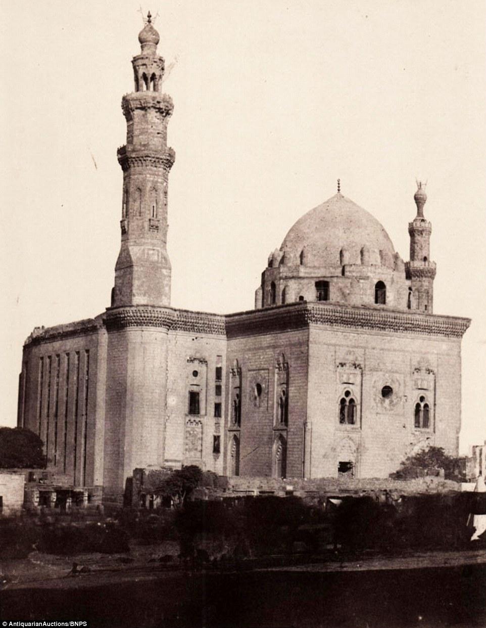 مسجد السلطان حسن بالقرب من القلعة،