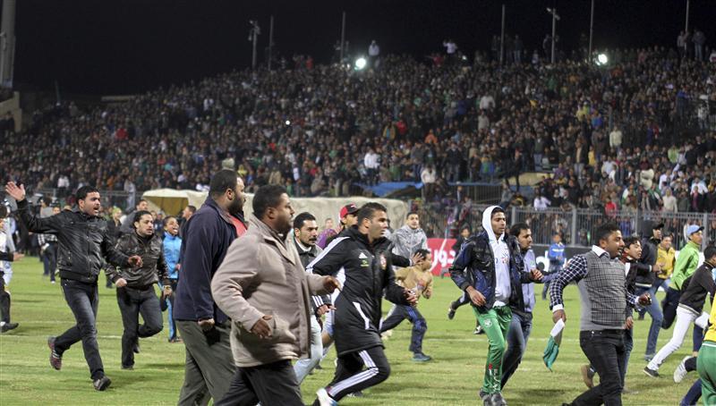 أحداث العنف في إستاد بورسعيد - صورة من رويترز