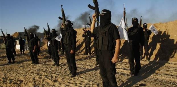 مسلحون إسلاميون يتدربون على السلاح - رويترز