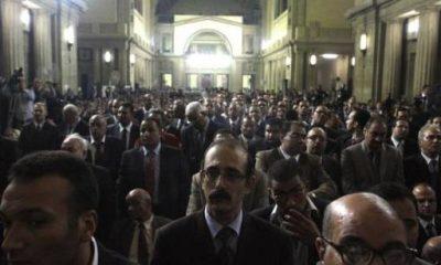 تجمع سابق لعدد من القضاة بدار القضاء العالي - رويترز